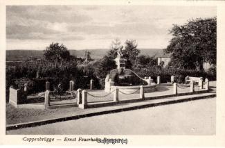 0065A-Coppenbruegge433-Feuerhake-Brunnen-Scan-Vorderseite.jpg