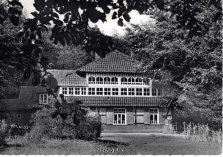 0870A-Sennhuette143-Panorama-Rueckansicht-Scan-Vorderseite.jpg