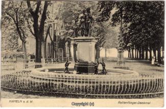 4530A-Hameln1592-Gertrudenbrunnen-1910-Scan-Vorderseite.jpg
