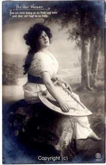 0360A-Romantik013-An-der-Weser-Frau-Instrument-Text-oben-1909-Scan-Vorderseite.jpg