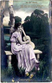0950A-Romantik028-An-der-Weser-Frau-Instrument-Text-oben-1917-Scan-Vorderseite.jpg