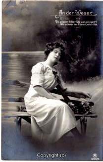 1110A-Romantik035-An-der-Weser-Frau-Text-oben-rechts-1912-Scan-Vorderseite.jpg
