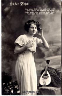 1320A-Romantik043-An-der-Weser-Frau-Instrument-Text-oben-1914-Scan-Vorderseite.jpg