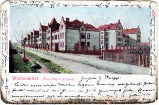 6220A-Wolfenbuettel048-Artilleriekaserne-Strassenansicht-1904-Scan-Vorderseite.jpg