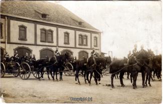 6810A-Wolfenbuettel062-Artillerikaserne-Soldaten-Innenbereich-Scan-Vorderseite.jpg