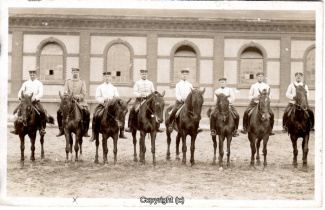 6830A-Wolfenbuettel064-Artillerikaserne-Soldaten-Innenbereich-1915-Scan-Vorderseite.jpg