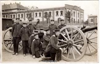 6840A-Wolfenbuettel065-Artillerikaserne-Soldaten-Innenbereich-1914-Scan-Vorderseite.jpg