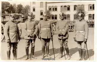 6870A-Wolfenbuettel068-Artillerikaserne-Soldaten-Innenbereich-1914-Scan-Vorderseite.jpg