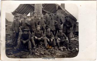 7850A-Wolfenbuettel088-Artillerikaserne-Soldaten-Feldeinsatz-1918-Scan-Vorderseite.jpg