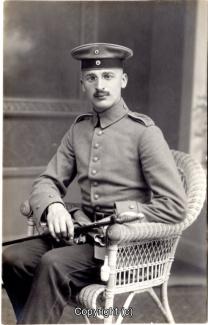 8420A-Wolfenbuettel097-Artillerikaserne-Soldaten-Portrait-1915-Scan-Vorderseite.jpg